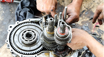 What is gear box in car and how manual transmission works